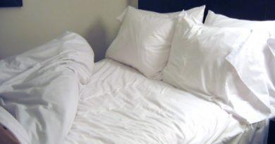 Узнав это, ты больше не будешь застилать кровать по утрам! Причина стоит внимания…