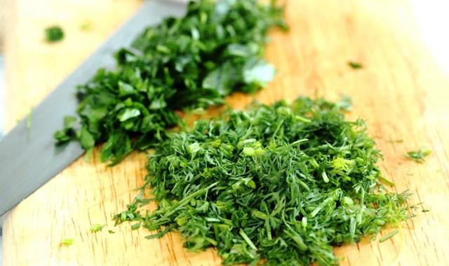 Как сохранить свежую зелень без консервации и заморозки! Зеленое масло в банке