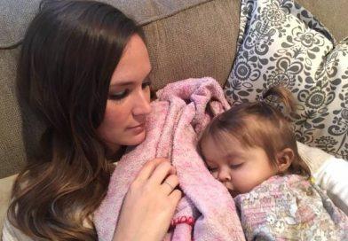 Эта 9-месячная малышка умирала от страшного заболевания. Но няня приняла решение, которого от нее никто не ожидал…