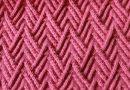 Интересный , плотный и текстурный узор спицами «Домики»…