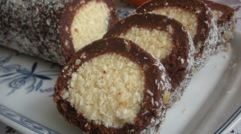 Кокосовый рулет «Раффаэлло» – десерт, который поселится в вашем доме навсегда!
