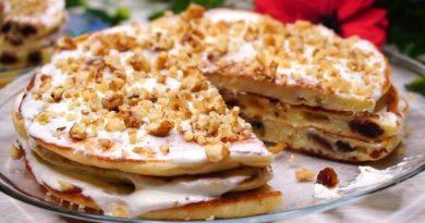 Бабушкины оладьи со сметаной в виде тортика