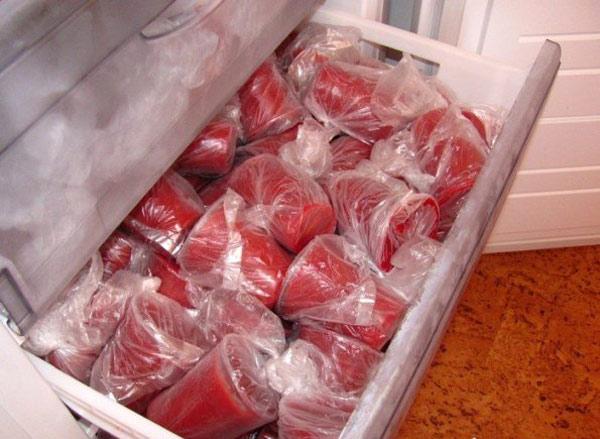 Как заморозить клубнику? Казалось бы ничего сложного, но не все так просто.