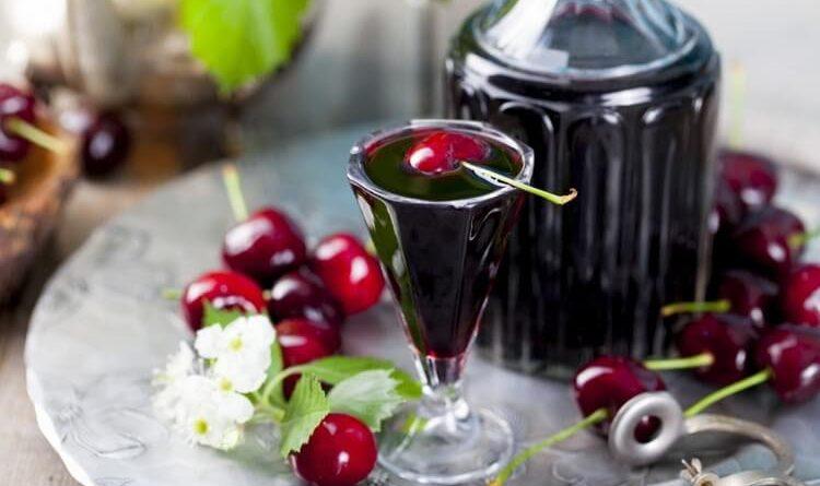 Какую пользу несет вишневая настойка